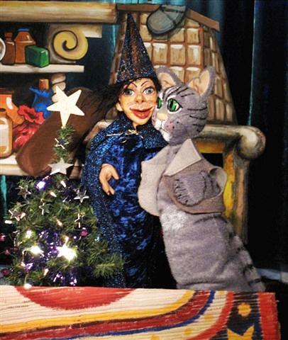 """""""Weihnachtsfest im Zauberwald"""" (Foto: Puppentheater Helmholtzstraße)"""