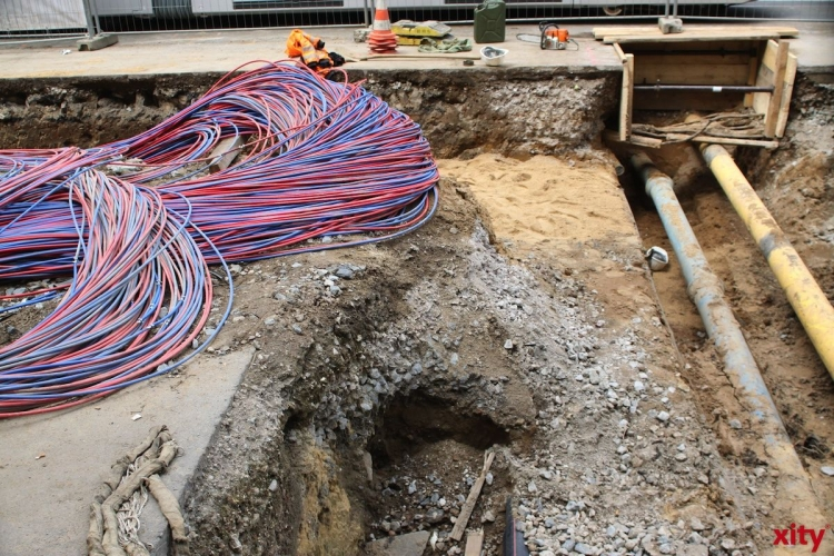 Nach abgeschlossenen Kabelverlegungen beginnen ab Montag Straßenbauarbeiten in der Kaiserstraße (Foto: xity)