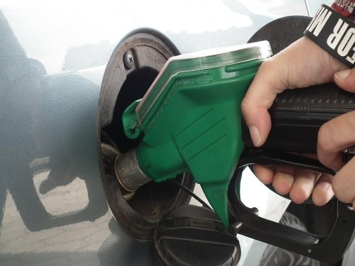 Mit dem Absturz des Rohölpreises auf gut 40 Dollar je Barrel sind auch die Kraftstoffpreise kräftig ins Rutschen geraten (Foto: xity)