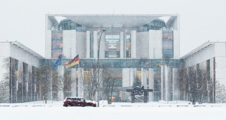 Zufahrt zu Bundeskanzleramt wegen verdächtiger Postsendung gesperrt (© 2016 AFP)