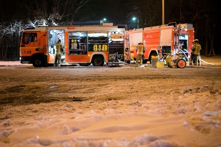 Regionalzug brennt in Berlin völlig aus (© 2016 AFP)