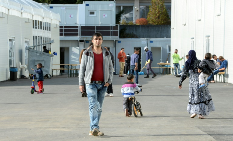 Stadt Freiburg will nach Disko-Verbot für Flüchtlinge runden Tisch (© 2016 AFP)