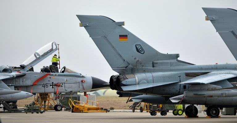 Bundeswehr rüstet Tornados zum Nachtflug über Syrien um (© 2016 AFP)