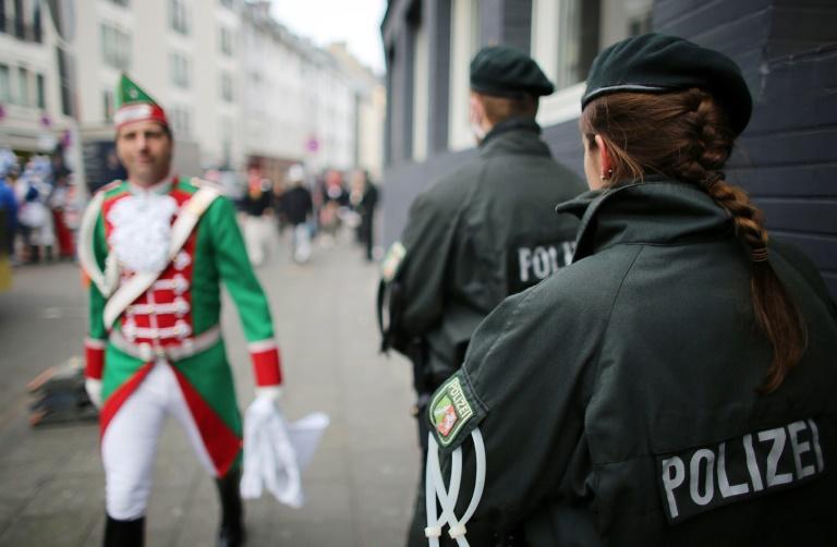 Kölns Polizeipräsident: Einsatzkräfte auf Karneval gut vorbereitet (© 2016 AFP)