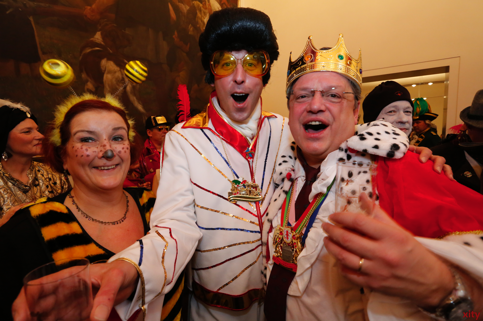 The SPD Leader of Düsseldorf, Andreas Rimkus came dressed as a king. (Photo: xity)