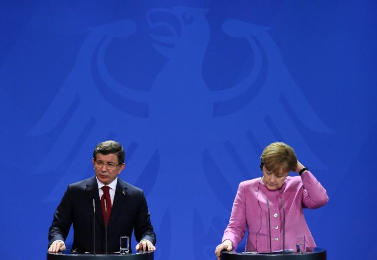 Merkel reist zu weiteren Gesprächen über Flüchtlingskrise in Türkei (© 2016 AFP)