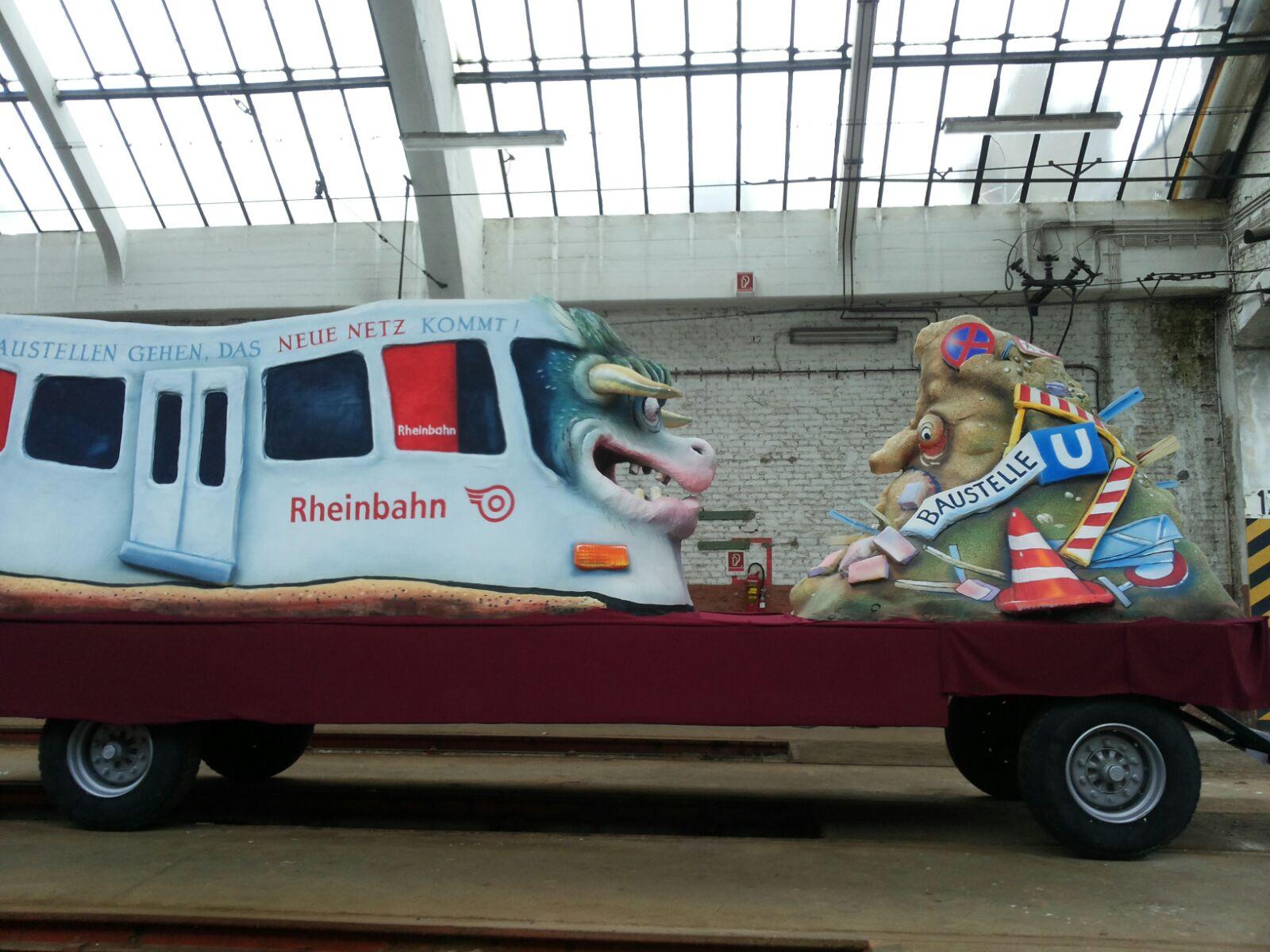 Begleitet wird der Wagen im Rosenmontagszug von einer rund 80 Mann starken Fußtruppe (Foto: Rhe)