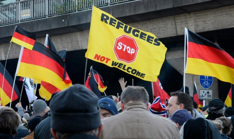 Pegida-Großkundgebung und zahlreiche Gegenproteste in Dresden (© 2016 AFP)