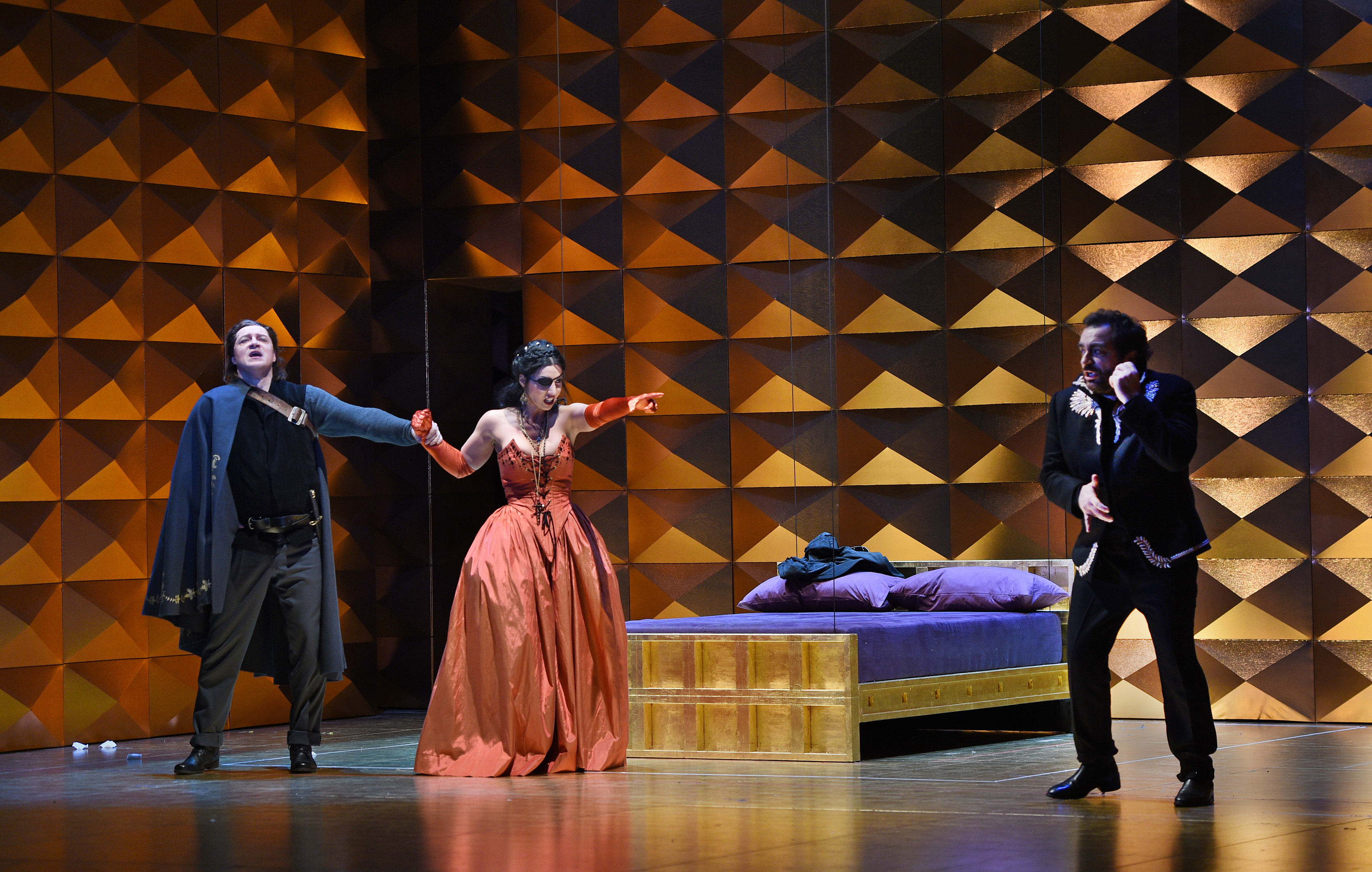 """Don Carlo"" hat Premiere an der Oper am Rhein (Foto: Hans Jörg Michel)"