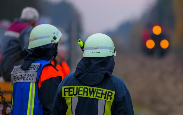 Mehrere Tote und hundert Verletzte bei Zugkollision in Oberbayern (© 2016 AFP)