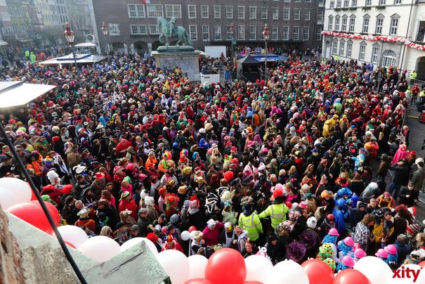 Das Einsatzaufkommen der Düsseldorfer Polizei stieg an den Karnevalstagen von 3.016 Einsätzen im Vorjahr auf 4.096 in 2016 (Foto: xity)