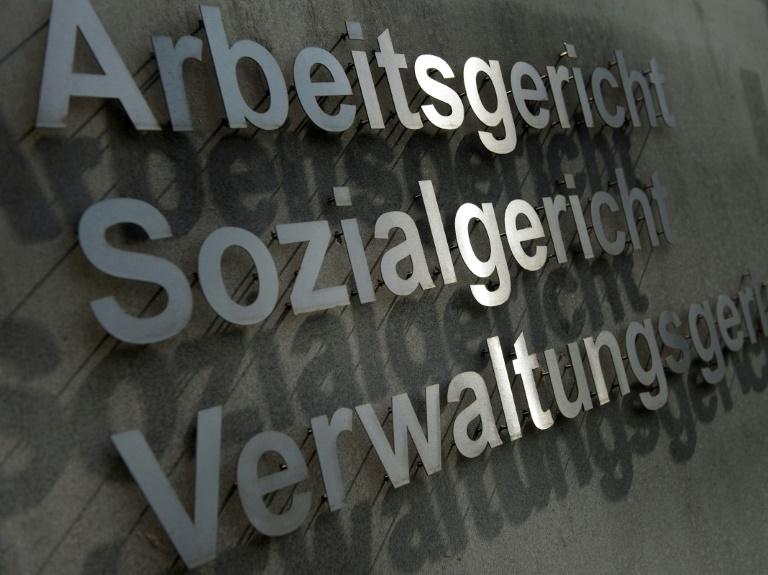 Arbeitsrichter: Verfahren um Arbeitsplatz werden erbitterter geführt (© 2016 AFP)