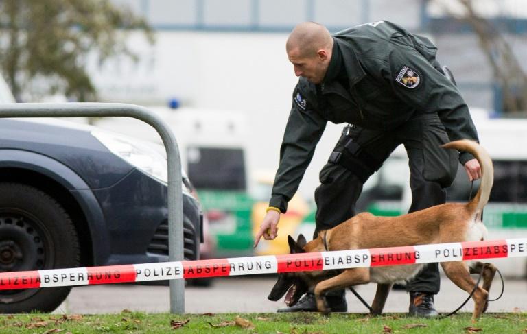Bericht: Spürhunde können derzeit wichtigen Sprengstoff nicht erschnüffeln (© 2016 AFP)