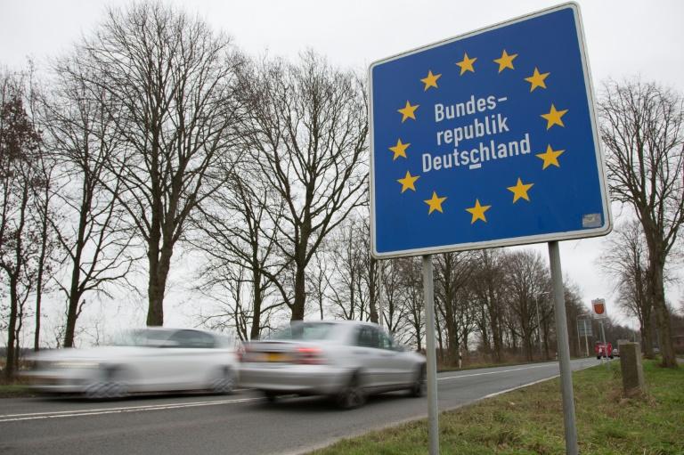 Bericht: Gabriel und Steinmeier befürworten stärkeren Schutz von EU-Binnengrenzen (© 2016 AFP)