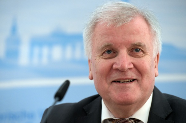 Head of the CSU Horst Seehofer praises the integration policy of the CDU. (© 2016 AFP)