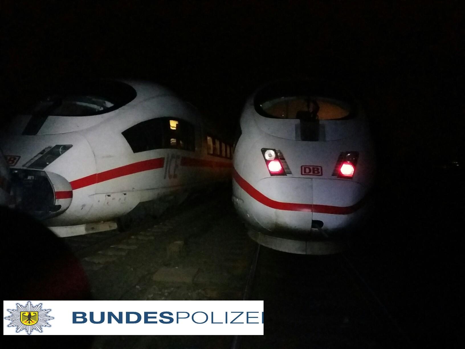 ICE kollidiert mit Rollwagen in Mühheim (Foto: OTS)