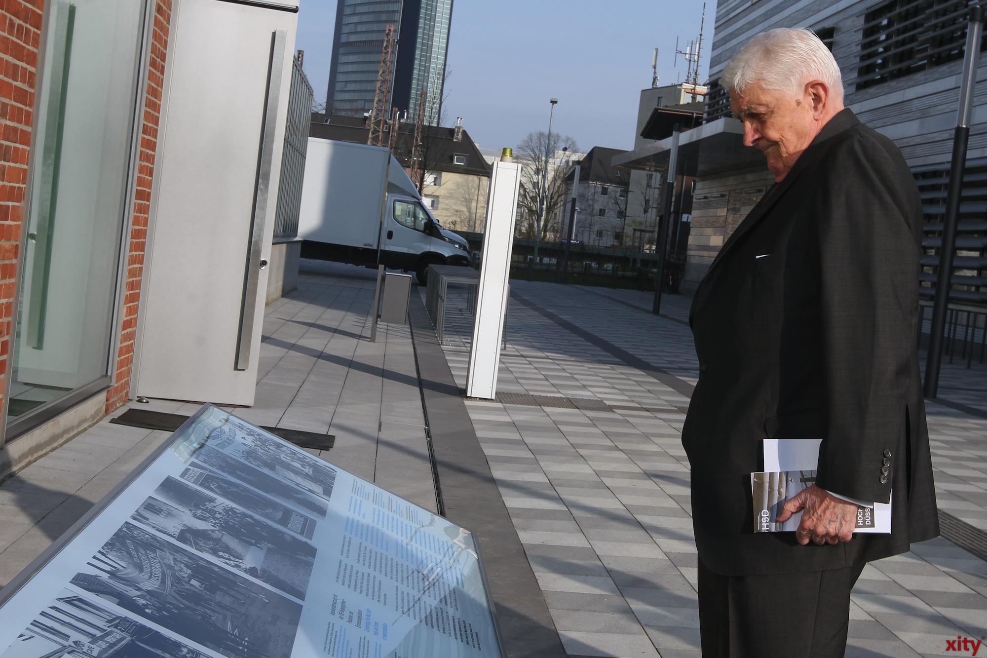 Dr. Dr. Burkhard besichtigte den Erinnerungsort (Foto: xity)