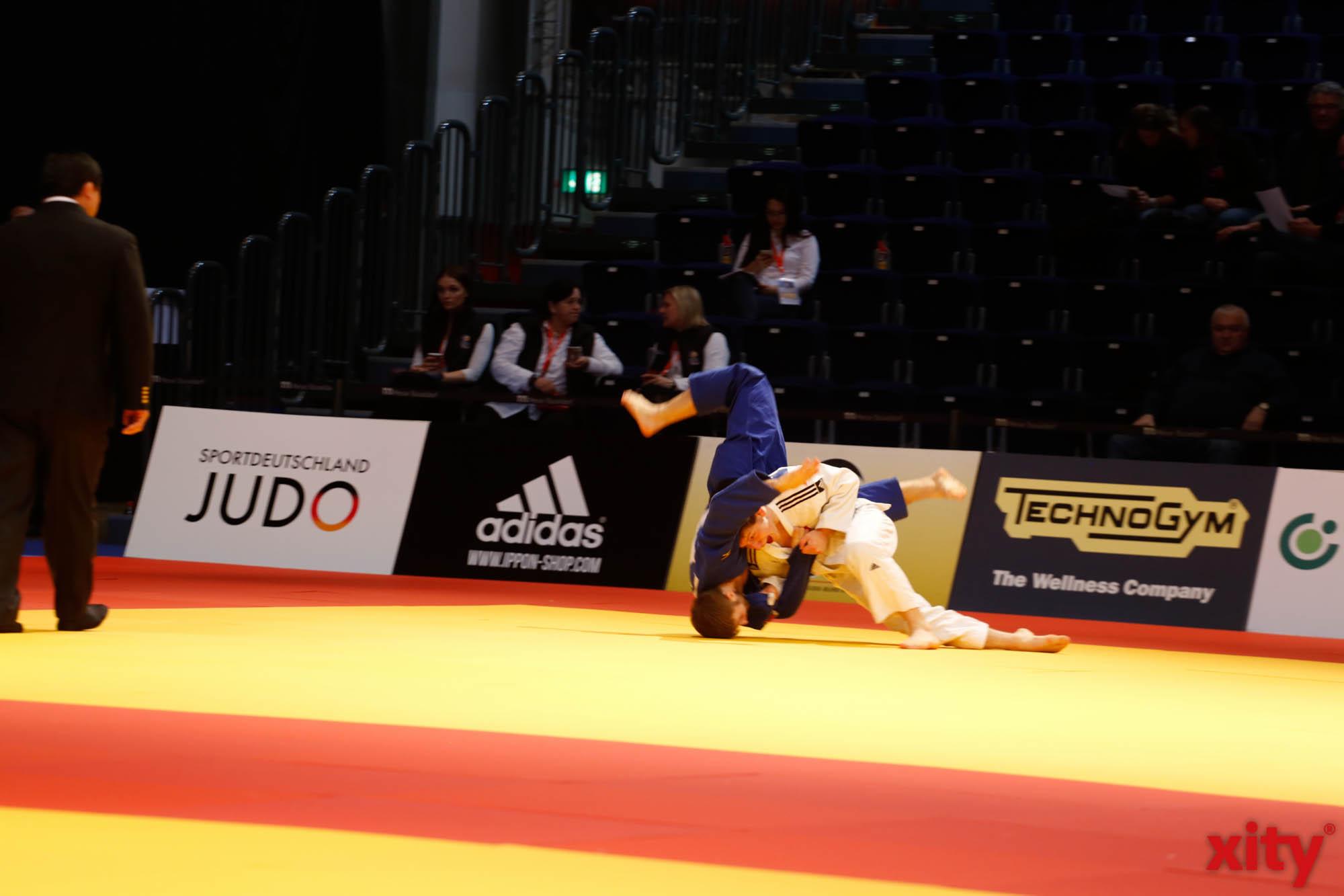 600 Judoka stehen auf der Matte (Foto: xity)