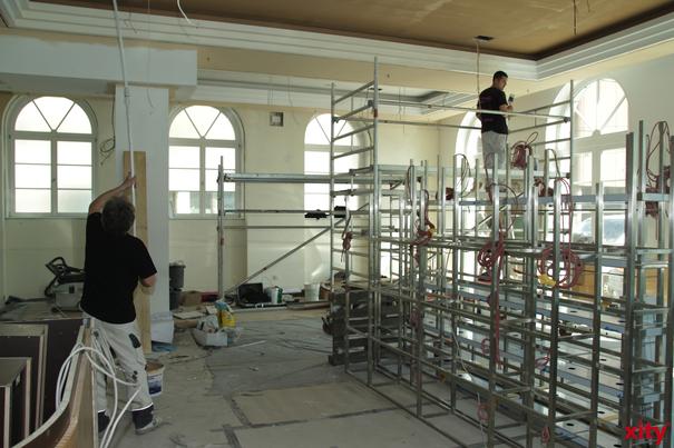 Ein ehemaliges Bürogebäude der Telekom in Flingern Nord wird zu einer Flüchtlingsunterkunft umgebaut (Foto: xity)