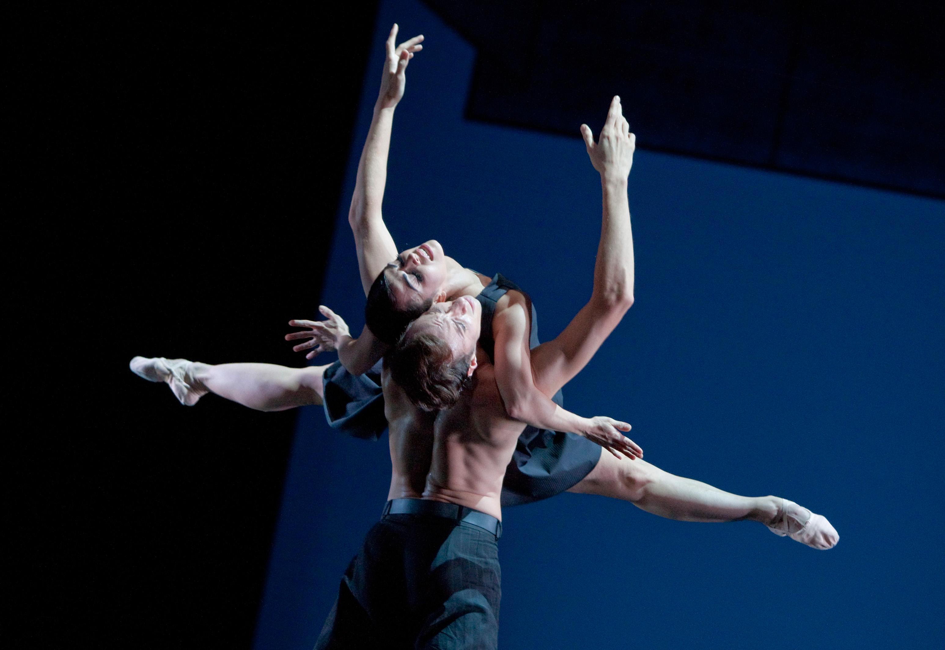 """Ballett am Rhein mit der Choreographie """"7"""" zu Gast in Gütersloh (Foto: Gert Weigelt)"""