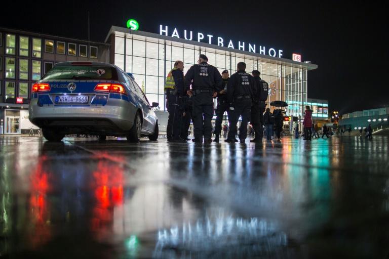 Bericht: Kölner Polizei ermittelt wegen Verletzung des Dienstgeheimnisses (© 2016 AFP)