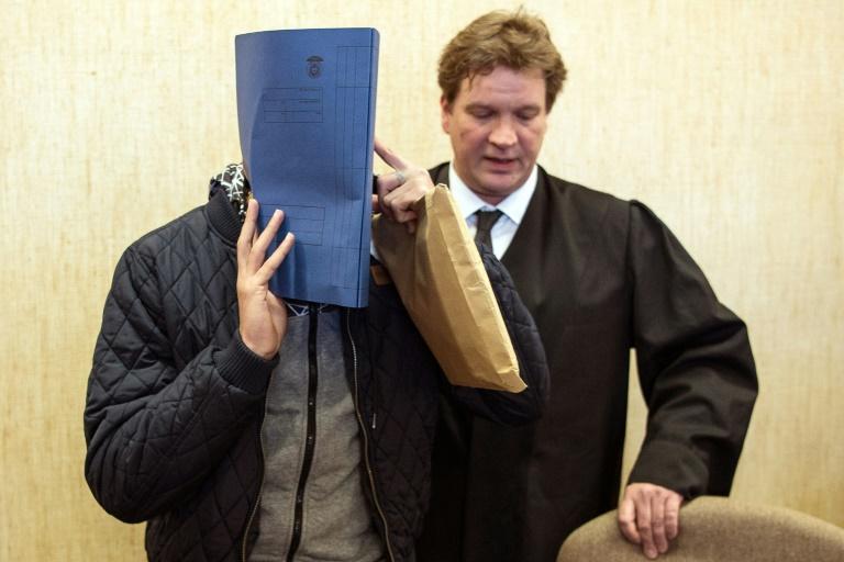 Bewährungsstrafe im ersten Prozess um Silvester-Gewalt in Köln (© 2016 AFP)