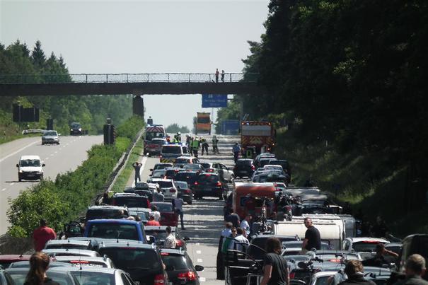 Schwerer Stauendunfall auf der A 3 Richtung Arnheim (Foto: xity)