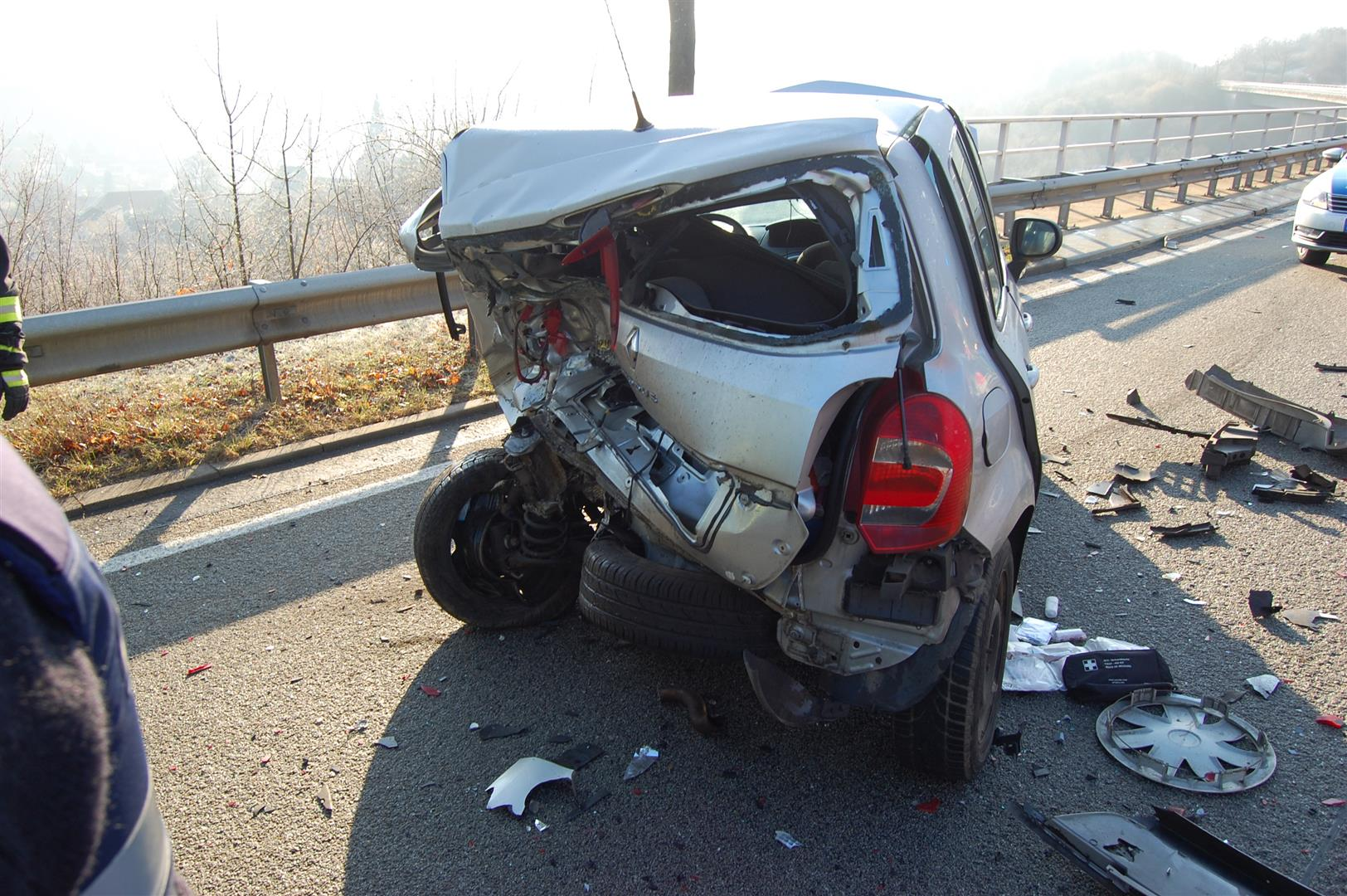 Verkehrsunfall auf B 48 bei ... (Foto: OTS)