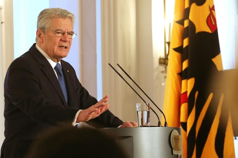 Bundespräsident: Gewalttäter und Brandstifter isolieren (© 2016 AFP)