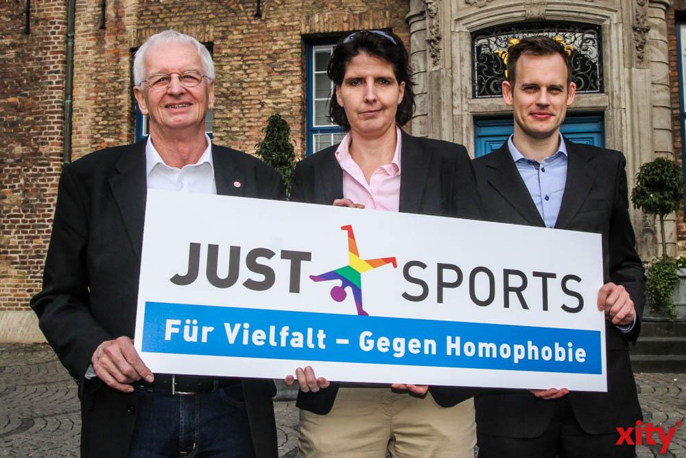 (v.l.) Bürgermeister Günter Karen-Jungen,Imke Duplitzer und Dr. Götz  (Foto: xity)