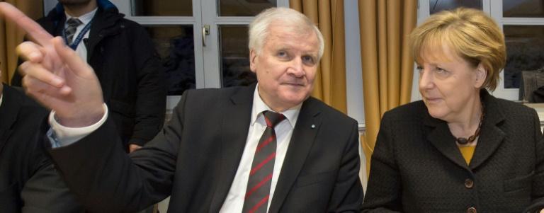 Seehofer fordert erneut und eindringlich Wende in der Flüchtlingspolitik (© 2016 AFP)
