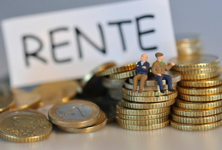 Stegner stellt Absenkung des Rentenniveaus auf 43 Prozent infrage (© 2016 AFP)