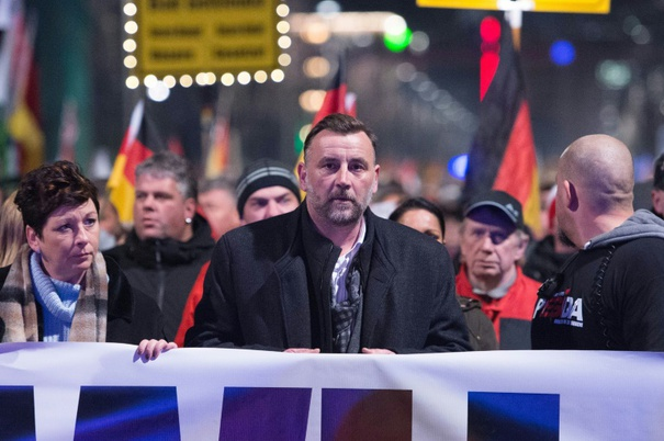 Pegida founders want to be close to AfD. (© 2016 AFP)
