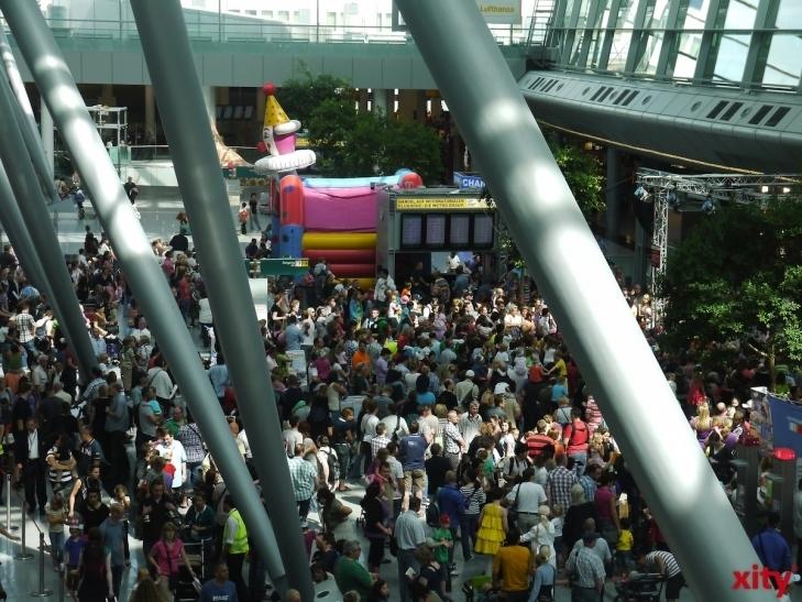 Kontinente entdecken beim Familien Airlebnis am Düsseldorfer Flughafen (Foto: xity)