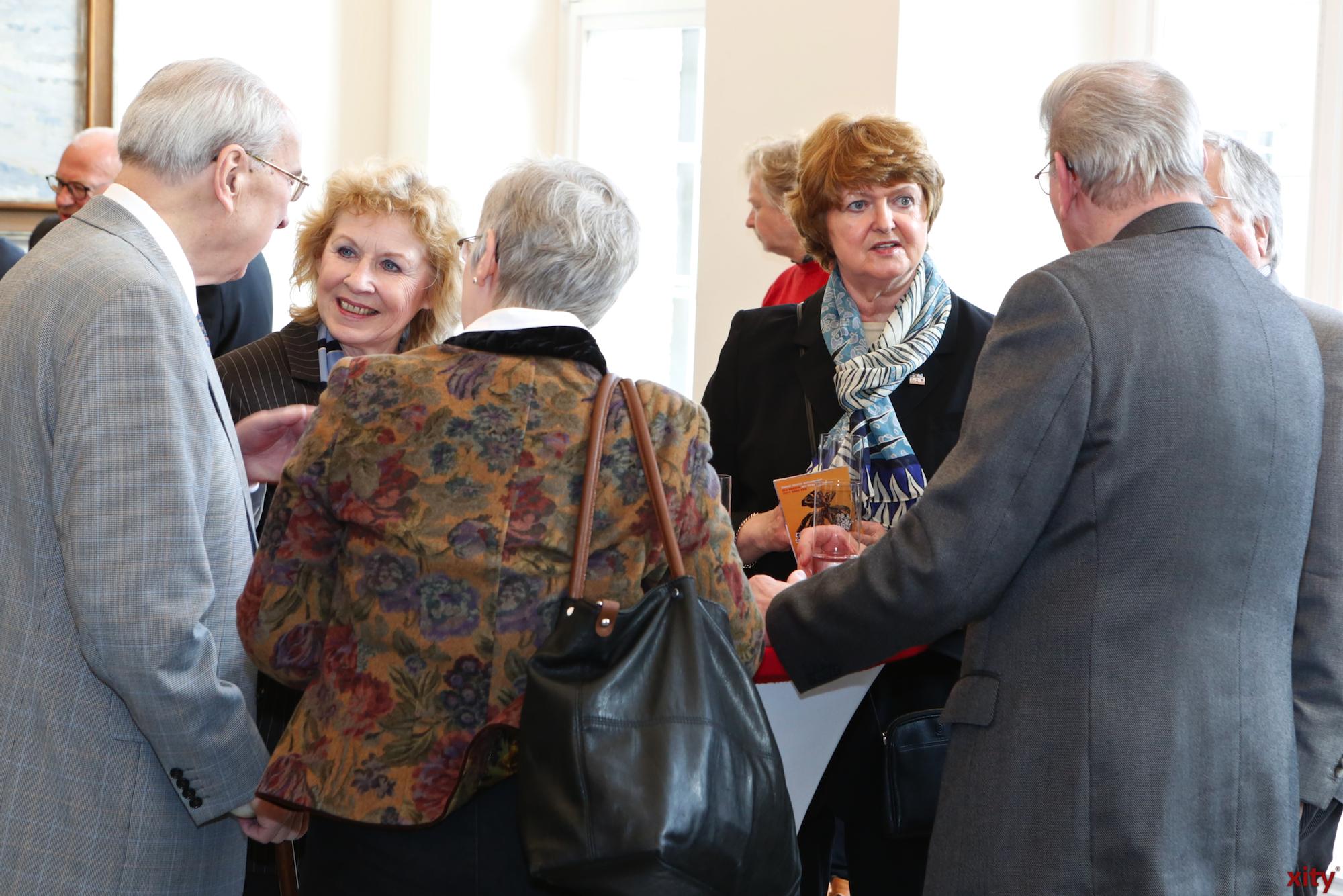 Zahlreiche Gäste fanden den Weg in den Jan-Wellem-Saal des Rathauses (Foto: xity)