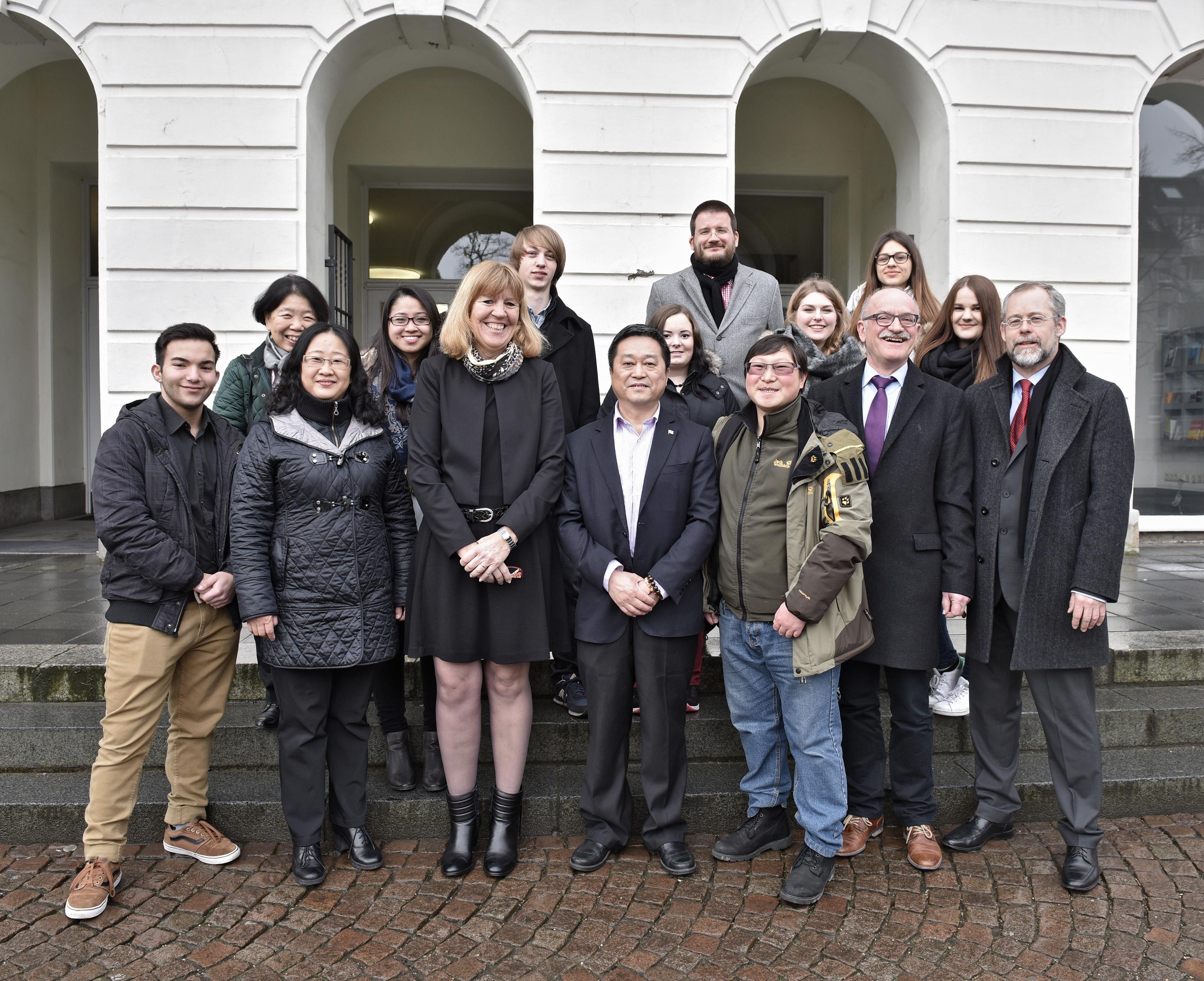 Schulleitungsdelegation aus China zu Gast in Krefeld (Foto: Stadt Krefel)