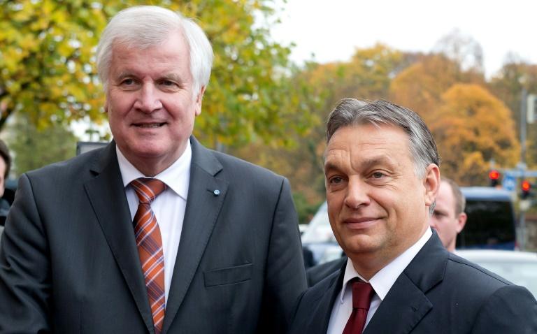 SPD und Grüne kritisieren Seehofers Reise nach Budapest (© 2016 AFP)
