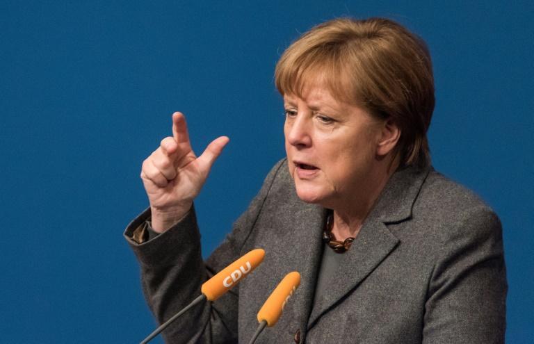 Merkel pocht auf Umsetzung der EU-Flüchtlingsbeschlüsse (© 2016 AFP)