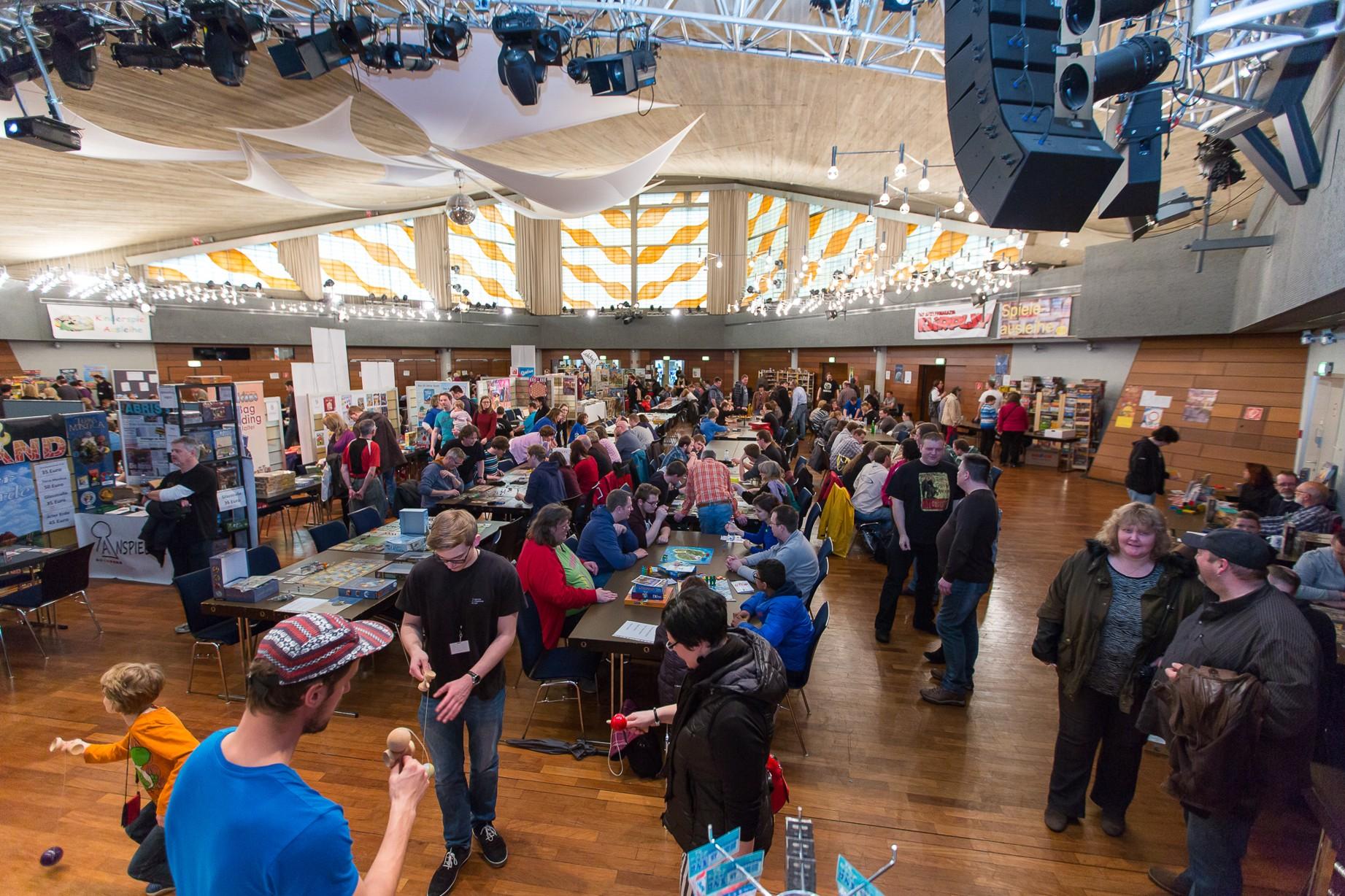 Die Stadthalle Ratingen bietet den Spieletagen ein Zuhause (Foto: Maik Grabosch)
