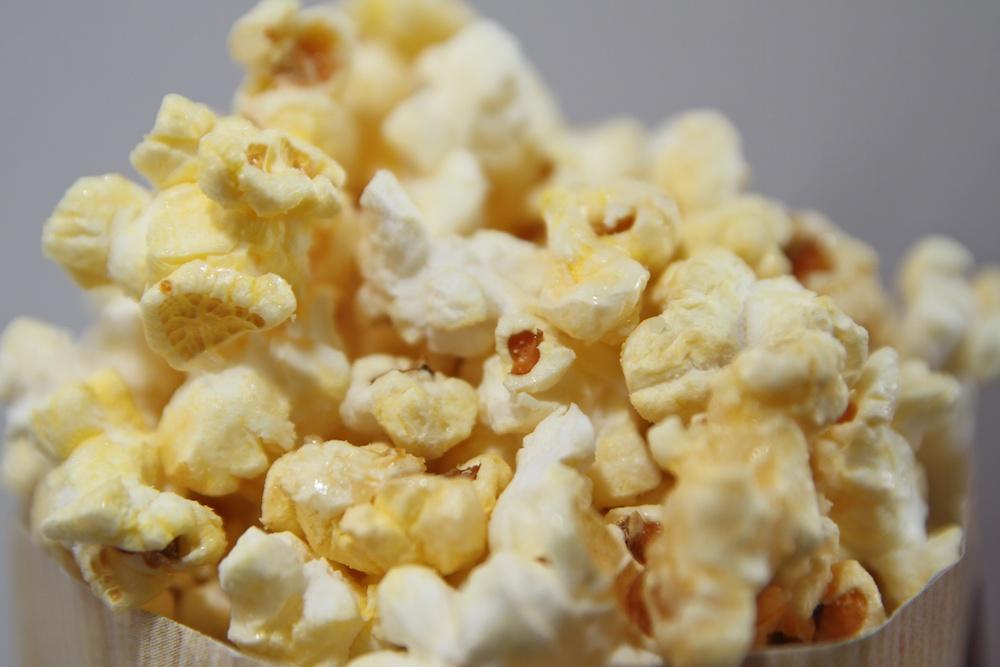Wie der beliebte Kinosnack genau entstand ist unklar (Foto: xity)
