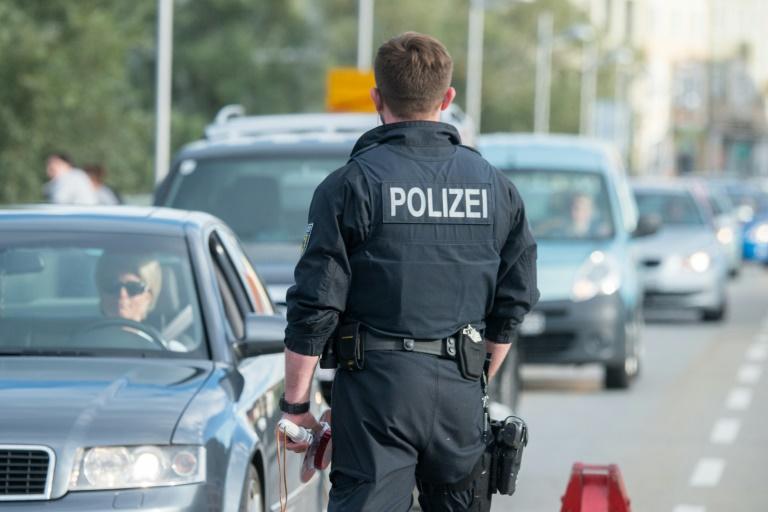 Studie: Kontrollen an Schengen-Grenzen würden Deutschland Milliarden kosten (© 2016 AFP)