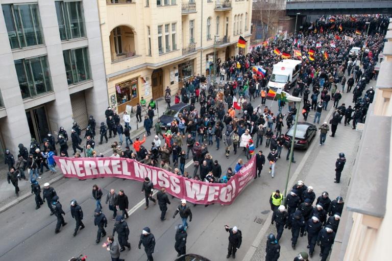 3000 Teilnehmer an fremdenfeindlicher Kundgebung in Berlin (© 2016 AFP)