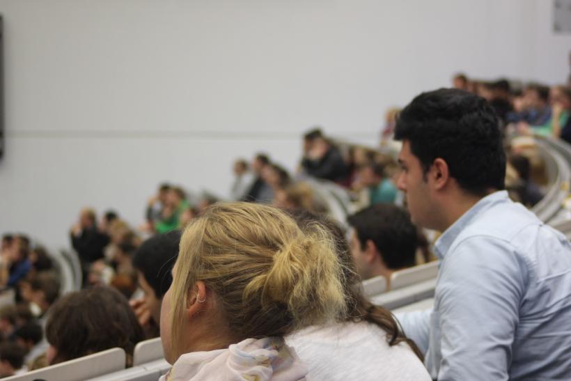Hochschule Düsseldorf erlässt Gasthörerbeitrag für Flüchtlinge und bietet Vorlesungen an (Foto: xity)