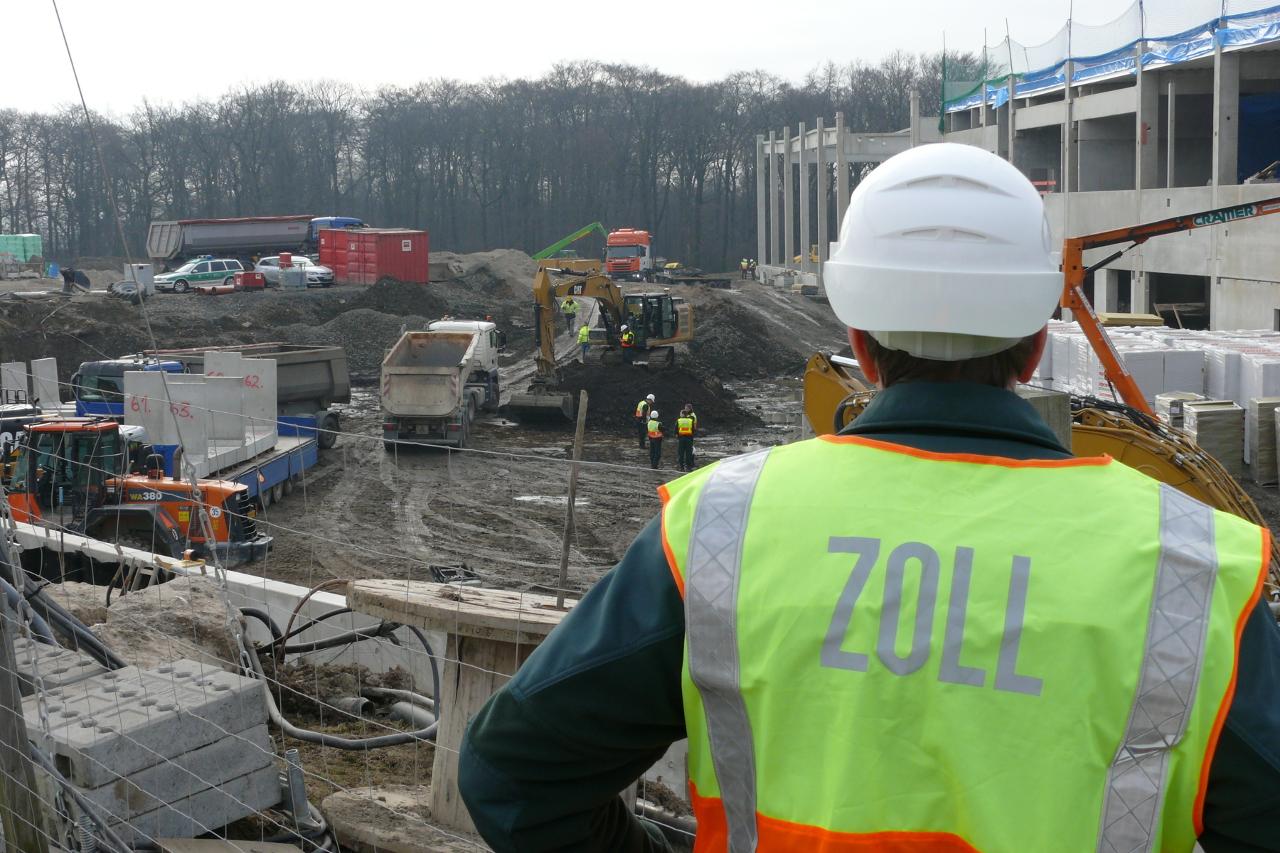 Finanzkontrolle Schwarzarbeit kontrolliert  im Baugewerbe (Foto: Hauptzollamt Düsseldorf)