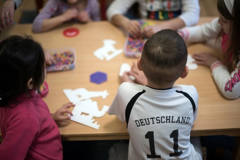 Studie: UN-Kinderrechtskonvention bei Flüchtlingen kaum beachtet (© 2016 AFP)