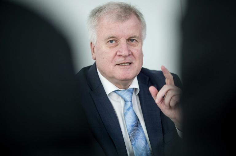 CSU-Chef Seehofer für Grün-Schwarz in Baden-Württemberg (© 2016 AFP)