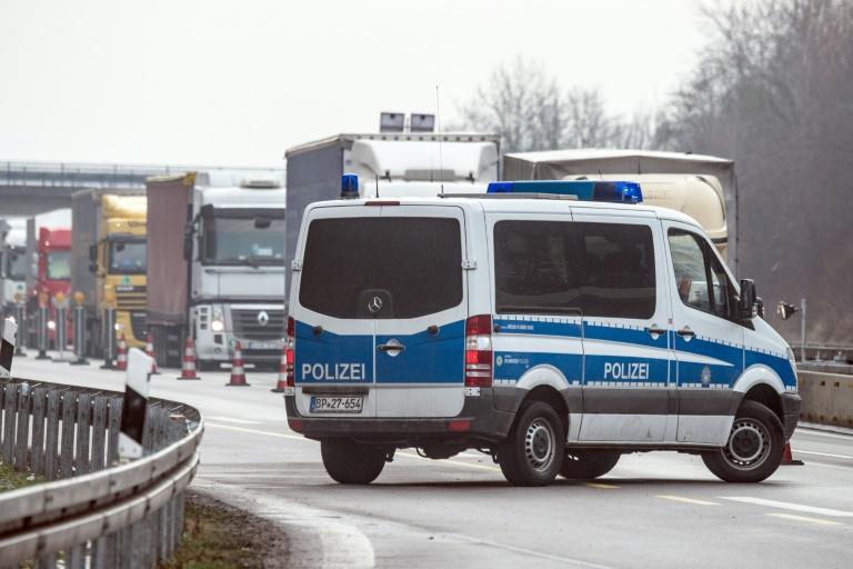 Drei mögliche Extremisten aus dem Kosovo festgenommen (© 2016 AFP)