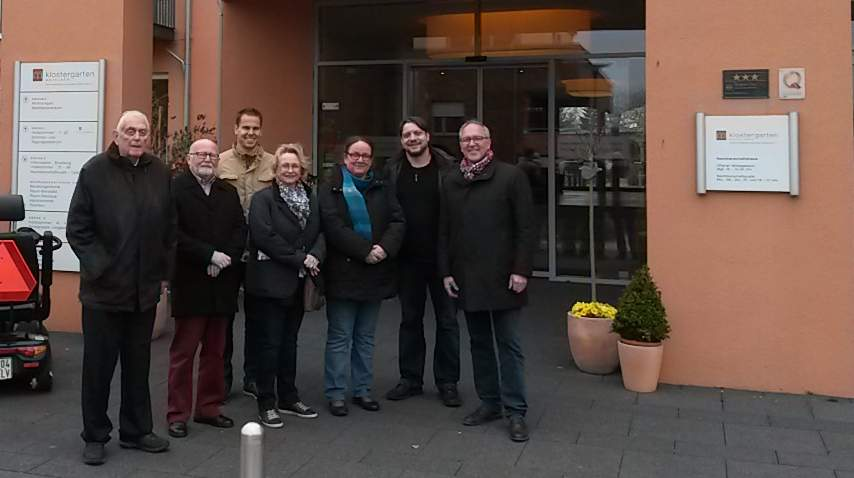 """Dr. Hans-Ulrich Klose (l.) und Siegfried Henkel (r.) mit Mitgliedern der Kommission """"Silberner Plan"""" in Kevelaer (Foto: Rhein-Kreis Neuss)"""