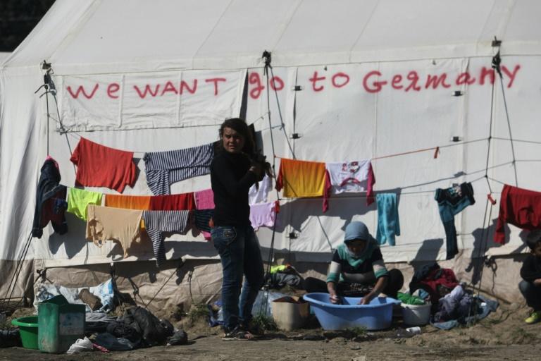 Erste Flüchtlinge nach EU-Türkei-Pakt in Deutschland eingetroffen (© 2016 AFP)