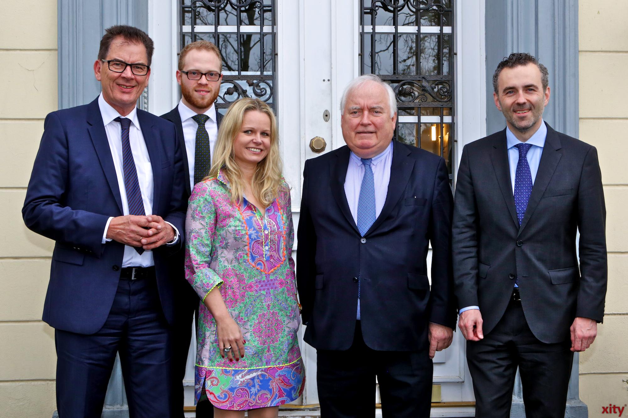 (v.l.) Dr. Gerd Müller, Benedict Stieber, Angela Erwin, Friedrich G. Conzen und Thomas Jarzombek (Foto: xity)